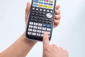 Kalkulator z możliwością rysowania 3D wykresów