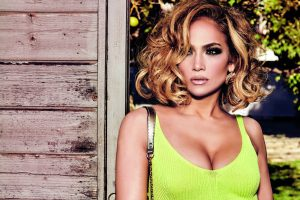 'Welcome back!' Jennifer Lopez twarzą marki GUESS!